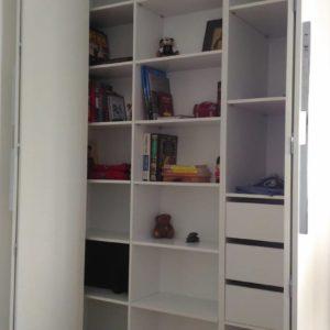Шкаф с фурнитурой Blum